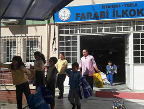 Farabi'den Afrinli çocuklara oyuncak