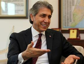 Fatih Belediye Başkanı Mustafa Demir istifa etti