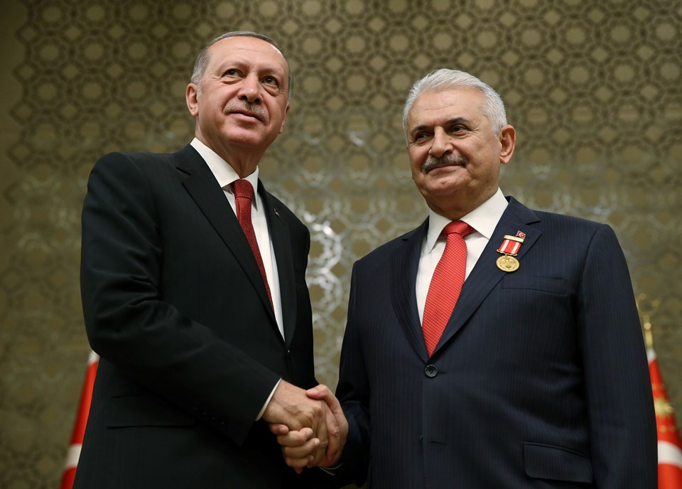 BİNALİ YILDIRIM'A ŞEREF MADALYASI