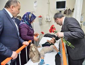 Ahmet Cin Tıp Bayramı'nı kutladı