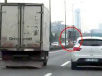 İstanbul trafiğinde baltalı saldırı
