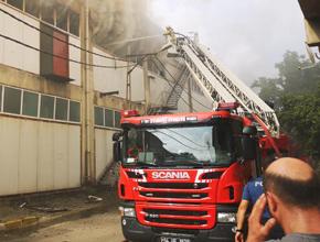Kurtköy'de fabrika yangını