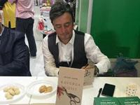 Yazar Nevzat Sazak okurlarıyla buluştu