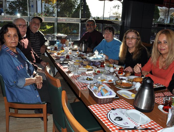 Tükoder dostları kahvaltıda buluştu