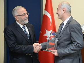 Eryetiş'ten geleneksel Mavi Çınar Ödülleri
