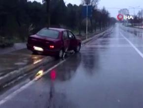 Pendik'te kaza yapan sürücü aracı bırakıp ormana kaçtı