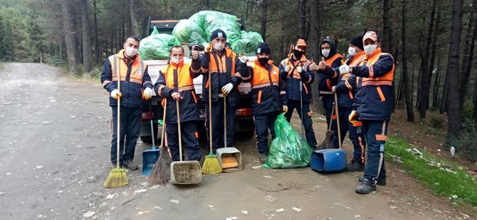 Aydos Ormanı'ndan bir kamyon çöp topladılar