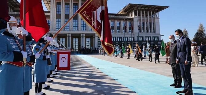 Katar Emiri Türkiye'de .. Erdoğan törenle karşıladı