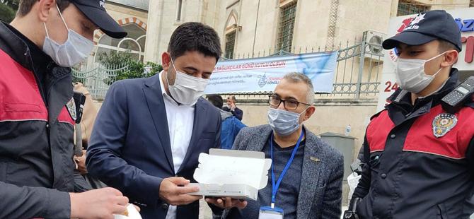 Milletvekili Osman Boyraz'dan görev başındaki güvenlik güçlerine tatlı ikramı