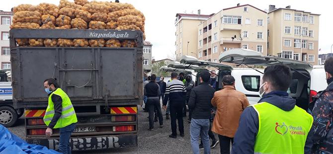 Pendik'te ücretsiz patates dağıtımı