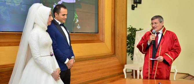 İşadamı İsmail Yeşilyurt kızını evlendirdi