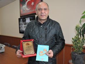 Şair Müdür'e uluslararası ödül