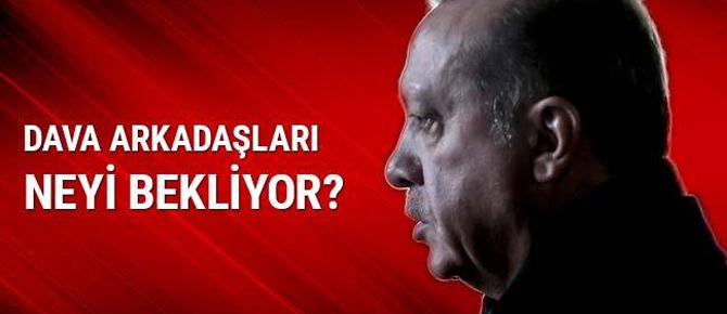 Ahmet Kekeç yazdı: Erdoğan'ın dava arkadaşları neyi bekliyor?