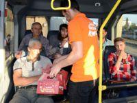 Yolda kalanların iftarı Şadi Yazıcı'dan