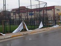 Tuzla'da AK Parti'nin seçim afişlerini kestiler!
