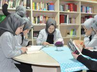 Kurtköy'de Vefat eden Öğretmenin Adı Kütüphane'ye Verildi