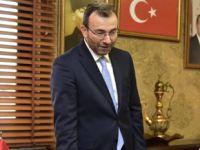 Ahmet Cin koltuğu bıraktı!