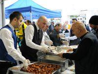 Hastane bahçesinde bin 500 kişiye iftar