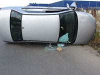 Pendik'te otomobil devrildi, sürücü ağır yaralandı