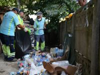 Tuzla'da çöp evden bir kamyon çöp çıktı!