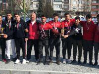 Pendikli öğrenciler Kanada'dan iki ödülle döndüler