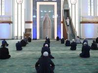 İskenderpaşa Cemaatinden Cuma namazı kılınmaya devam etsin önerisi