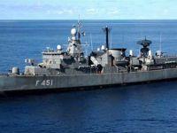 Türk gemisinin vurup geçtiği Yunan gemisi görüntülendi! İşte son durumu