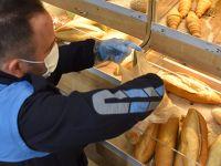 Tuzla'da karantinaya girenlerin alışverişini zabıta ekipleri yapıyor