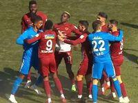 Süper Lig maçında ortalık fena karıştı
