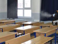 Pendik'te okullar dezenfekte ediliyor