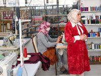 4 Bin 300 Kadın Gönüllüsü İle İyilik Dağıtıyor
