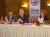 """Gedik Üniversitesi'nden """"Göç sorunu"""" konferansı"""