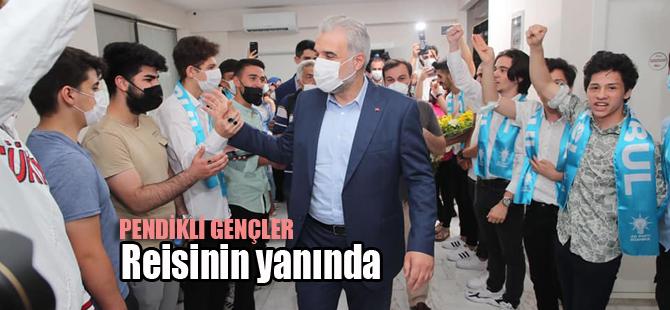 AK Parti İl Başkanı Kabaktepe'ye Pendik'te coşkulu karşılama