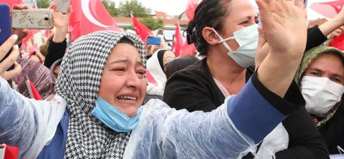 Başkan Erdoğan'ı görünce göz yaşları sel oldu aktı