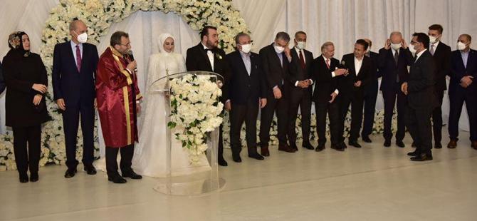 Başkan Ahmet Cin, kızının nikahını kıydı